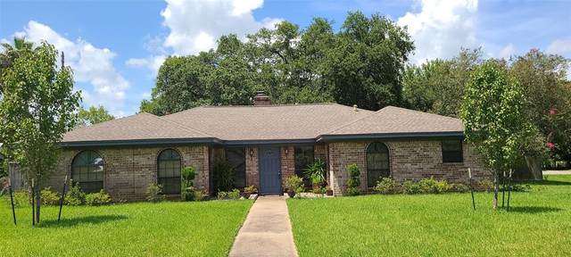 57 Fulton Drive N, Alvin, TX 77511 (MLS #87870337) :: The Freund Group