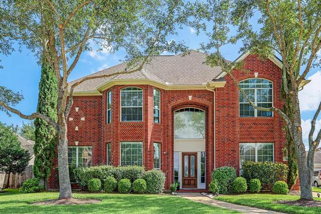 9306 Sunlake Drive, Pearland, TX 77584 (MLS #87875538) :: Christy Buck Team