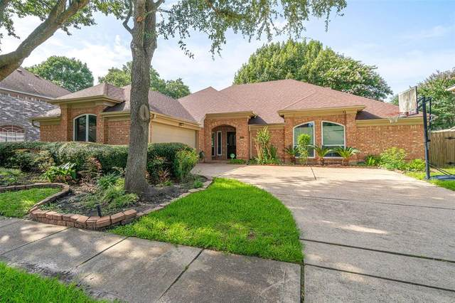 14122 Woodville Gardens Drive, Houston, TX 77077 (MLS #87989041) :: The Wendy Sherman Team