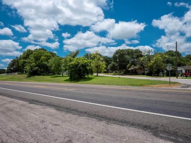 810 Brown, Brenham, TX 77833 (MLS #88057499) :: Green Residential