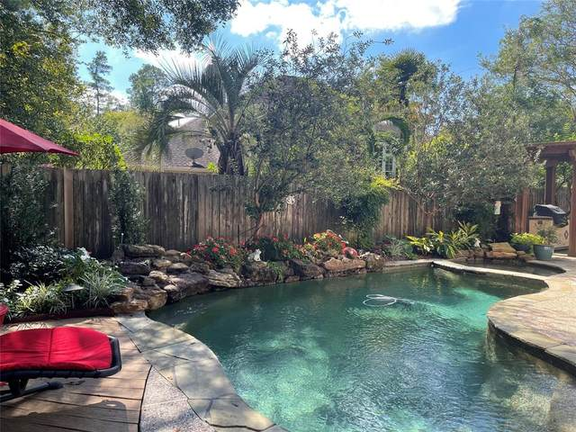 110 S Castlegreen Circle, The Woodlands, TX 77381 (MLS #88113203) :: Giorgi Real Estate Group