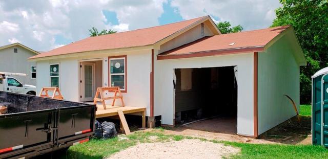 917 N La Salle Street, Navasota, TX 77868 (MLS #88235006) :: Magnolia Realty