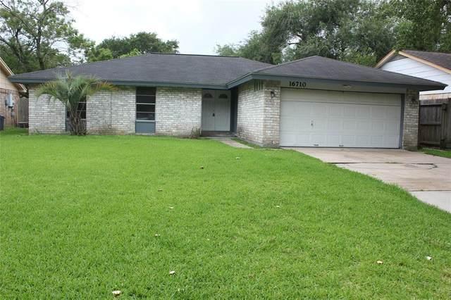 16710 Blackhawk Boulevard, Friendswood, TX 77546 (#88338113) :: ORO Realty