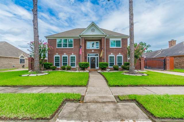 2124 Country Club Drive, Pearland, TX 77581 (MLS #88341803) :: Lerner Realty Solutions