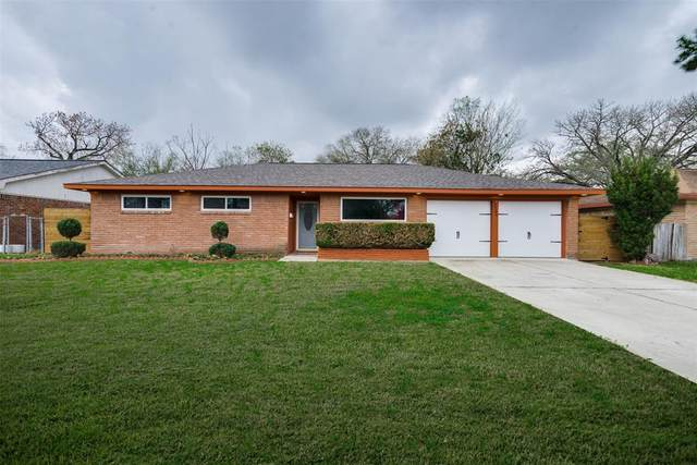 12206 Ashcroft Drive, Houston, TX 77035 (MLS #88492239) :: The Sansone Group