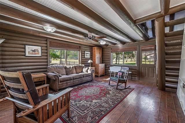9420 Lake Forest Circle, Brenham, TX 77833 (MLS #88547789) :: Guevara Backman