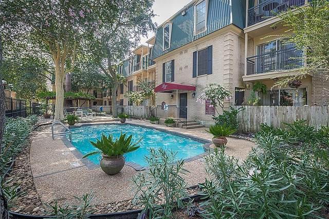 4515 Briar Hollow Place #304, Houston, TX 77027 (MLS #88676011) :: The Parodi Team at Realty Associates