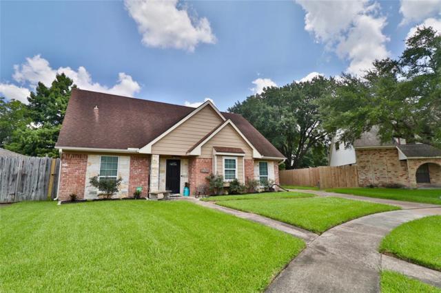 10711 Sageglow Drive, Houston, TX 77089 (MLS #88697067) :: NewHomePrograms.com LLC
