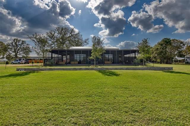1049 Walnut Street, New Ulm, TX 78950 (MLS #88701507) :: Lerner Realty Solutions