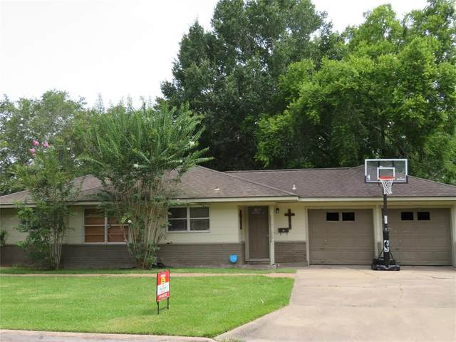 1101 Center Street, El Campo, TX 77437 (MLS #88825584) :: NewHomePrograms.com LLC