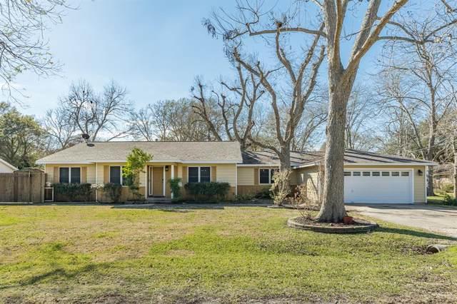 410 Kirby Drive, West Columbia, TX 77486 (MLS #88939551) :: Ellison Real Estate Team