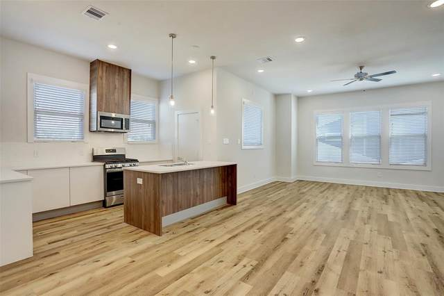 10212 Las Nubes Avenue, Houston, TX 77075 (MLS #88943478) :: Ellison Real Estate Team