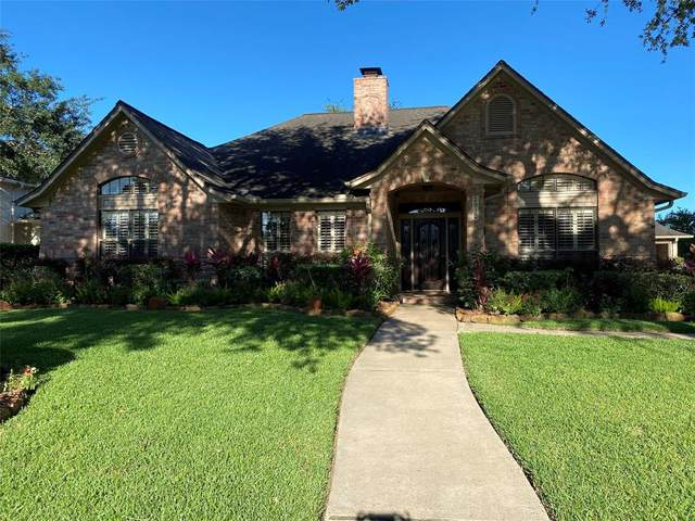 2910 Doral Court, League City, TX 77573 (MLS #8898083) :: Rachel Lee Realtor