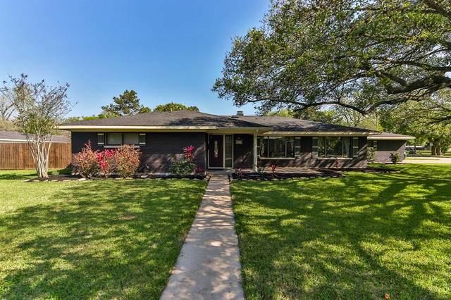304 Hillje Street, Alvin, TX 77511 (MLS #89010830) :: Phyllis Foster Real Estate
