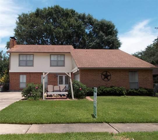 415 Gleneagles Drive, Friendswood, TX 77546 (MLS #89025355) :: The Queen Team