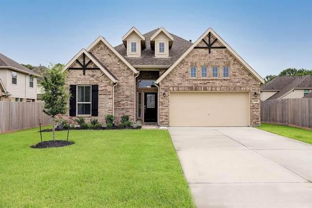 13310 Village Circle Drive, Mont Belvieu, TX 77535 (MLS #89074331) :: The Queen Team