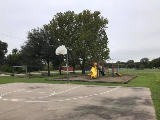 417 Martin L King Drive, La Marque, TX 77568 (MLS #89097683) :: Texas Home Shop Realty