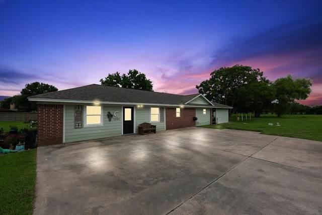 10181 Laurie Lane, Highlands, TX 77562 (MLS #89379928) :: Lerner Realty Solutions