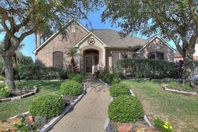 3303 Barberry Court, Pearland, TX 77581 (MLS #89563548) :: The Bly Team