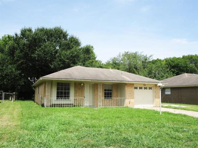 7131 Kings Drive, Baytown, TX 77521 (MLS #89646001) :: Texas Home Shop Realty