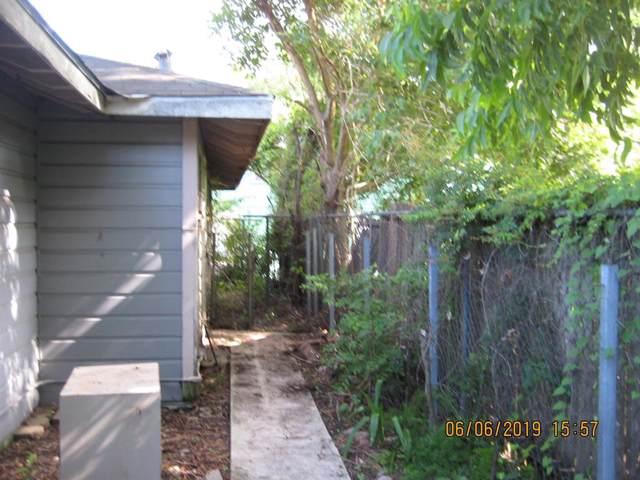 328 Basswood Street, Houston, TX 77022 (MLS #89659631) :: Ellison Real Estate Team