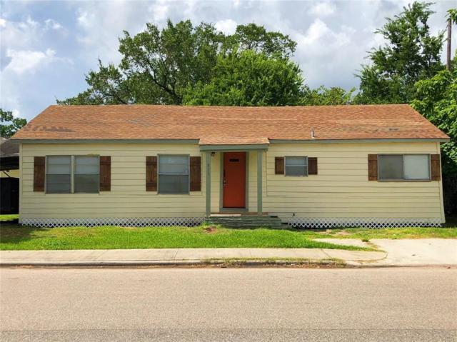 820 Broadway Avenue, Pasadena, TX 77506 (MLS #89671685) :: The SOLD by George Team