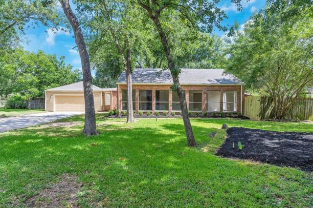 13918 Lynnwood Lane, Sugar Land, TX 77498 (MLS #89697044) :: Team Sansone