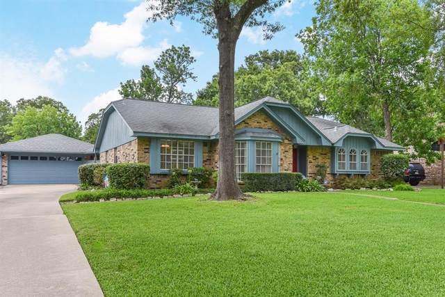 304 Red Bud Lane, Baytown, TX 77520 (MLS #89702228) :: Bray Real Estate Group