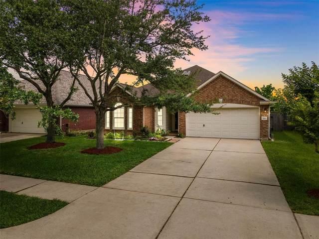 920 Schooner Cove Lane, League City, TX 77573 (MLS #89734167) :: The Parodi Team at Realty Associates