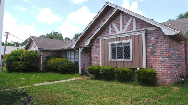 4909 Live Oak Drive, Dickinson, TX 77539 (MLS #89745465) :: The SOLD by George Team