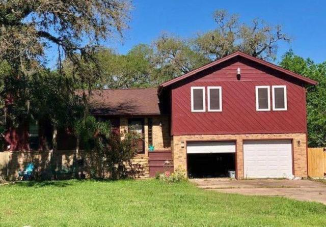 411 Tamarind Street, Lake Jackson, TX 77566 (MLS #89755351) :: The SOLD by George Team