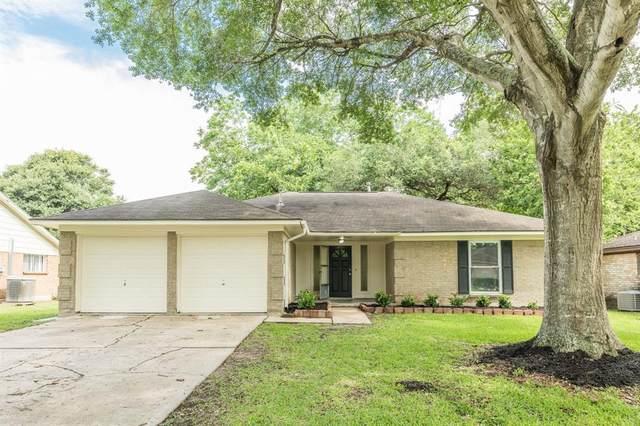 323 Coventry Lane, Alvin, TX 77511 (MLS #89833368) :: Ellison Real Estate Team