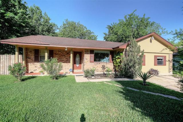 2506 Blueberry Lane, Pasadena, TX 77502 (MLS #89837759) :: The Home Branch