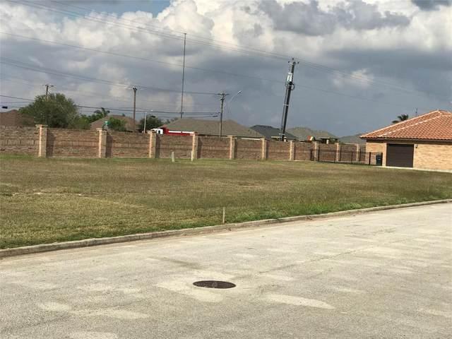 000 Fairway Ln, Harlingen, TX 78552 (MLS #90095987) :: Michele Harmon Team