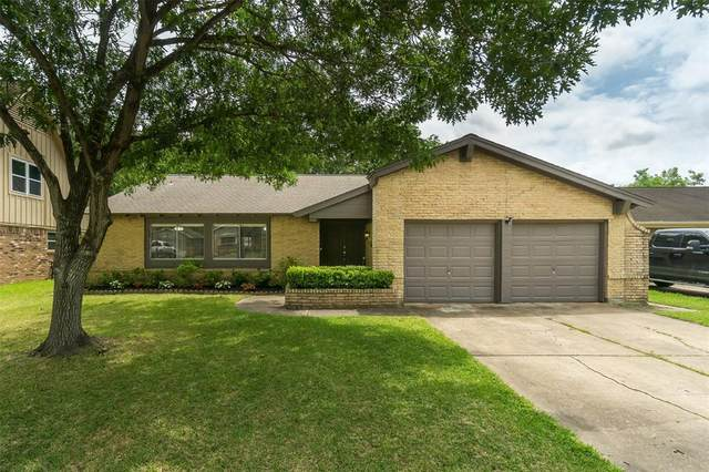 854 Ramada Drive, Houston, TX 77062 (MLS #90151022) :: The SOLD by George Team