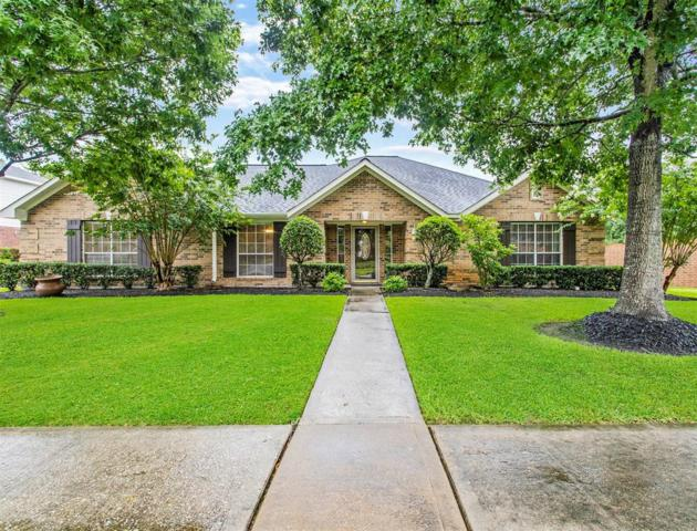 501 Meadow Run Drive, Friendswood, TX 77546 (MLS #90251378) :: Rachel Lee Realtor