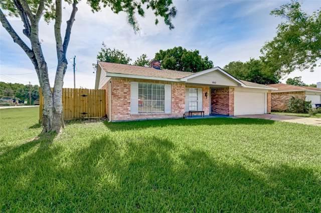 9903 Towne Tower Lane, Sugar Land, TX 77498 (MLS #90252943) :: The Jill Smith Team