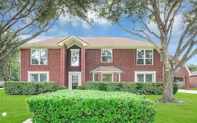 512 Twin Pines Drive, Friendswood, TX 77546 (MLS #90313431) :: Ellison Real Estate Team