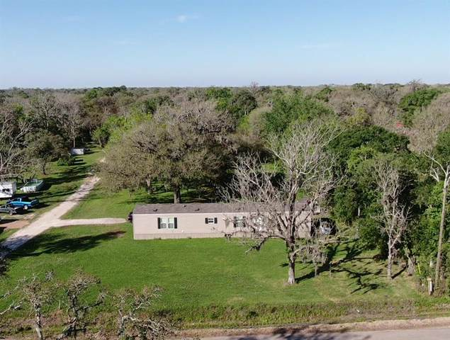 4821 County Road 652, Brazoria, TX 77422 (MLS #90373711) :: Guevara Backman
