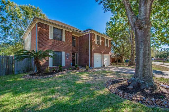 228 N Ranch House Road, Angleton, TX 77515 (MLS #90400746) :: The Property Guys