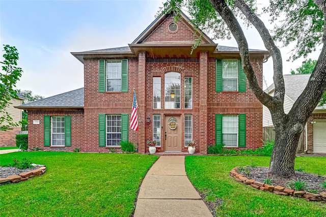 2715 Village Dale Avenue, Houston, TX 77059 (MLS #90465723) :: Connell Team with Better Homes and Gardens, Gary Greene