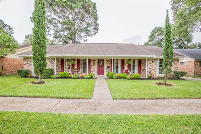2117 Willow Dell Drive, Seabrook, TX 77586 (MLS #90483331) :: The Freund Group