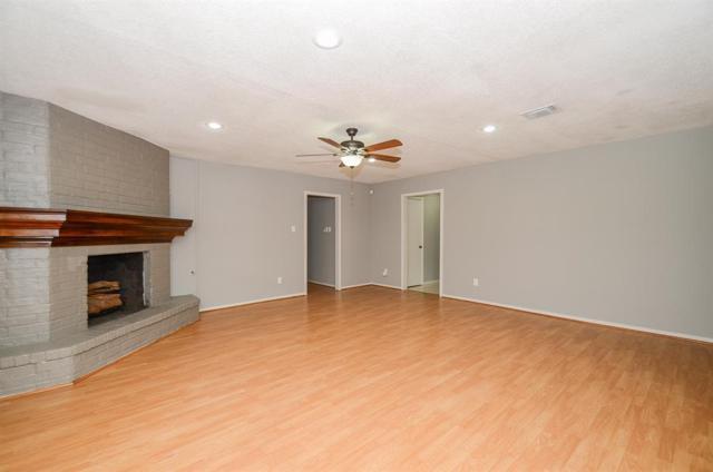 11611 Barwood Bend Drive, Houston, TX 77065 (MLS #90493740) :: Texas Home Shop Realty