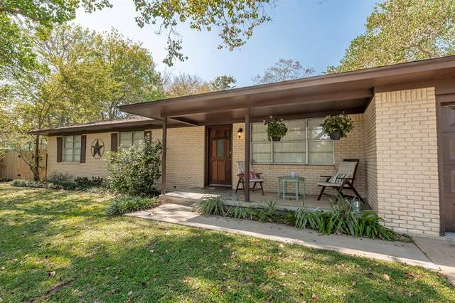 308 Forest Street, Columbus, TX 78934 (MLS #90547432) :: Lerner Realty Solutions