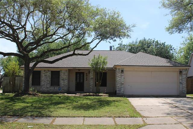 4922 Cloverfield Drive, Pearland, TX 77584 (MLS #90679631) :: Phyllis Foster Real Estate
