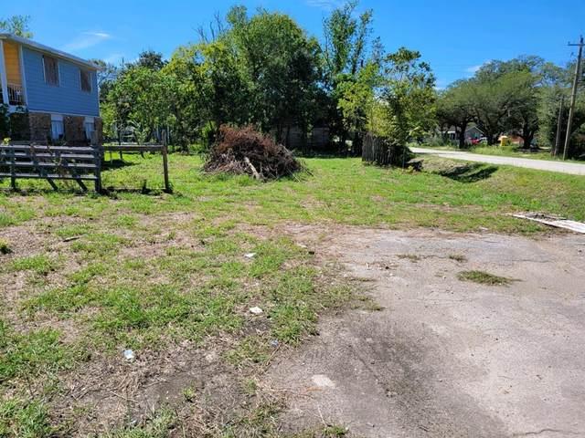 3204 Avenue F, Dickinson, TX 77539 (MLS #90706967) :: Caskey Realty