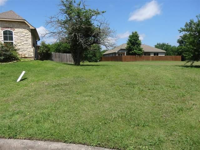 5 Hillsborough Drive, Montgomery, TX 77356 (MLS #90752408) :: The Home Branch