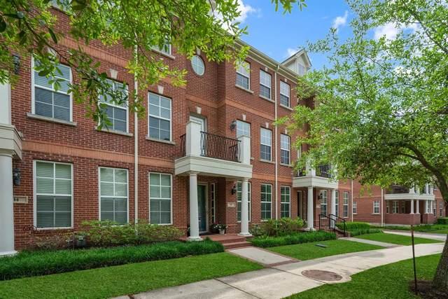 10 Olmstead Row, The Woodlands, TX 77380 (MLS #91010940) :: TEXdot Realtors, Inc.