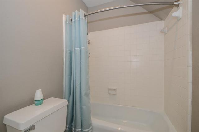 10907 Meadow Lake Lane, Houston, TX 77042 (MLS #91052921) :: Texas Home Shop Realty