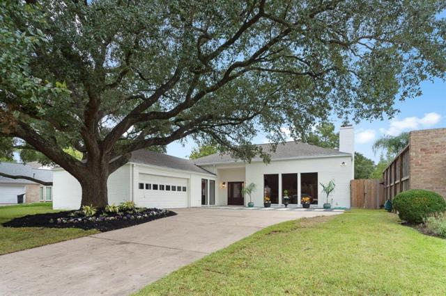 10210 Inwood Drive, Houston, TX 77042 (MLS #91057680) :: NewHomePrograms.com LLC